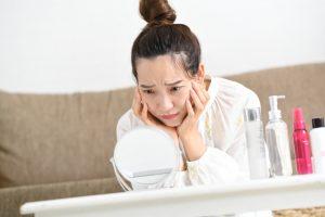 肌トラブルの原因の半分はストレス