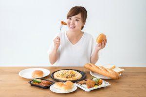 外食やテイクアウト、コンビニ弁当は味が濃くなりやすい